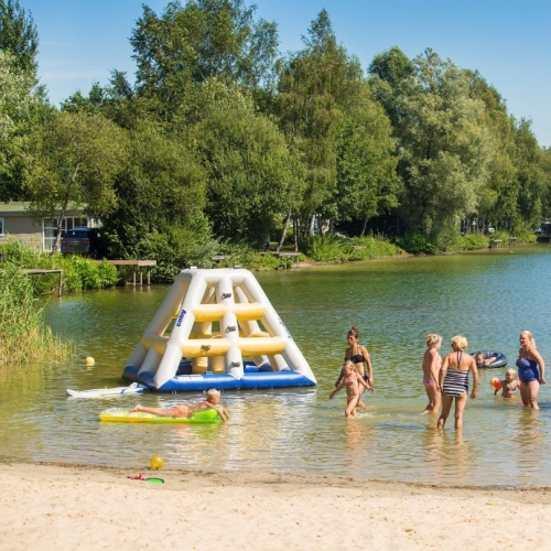 Recreatie- en surfplas